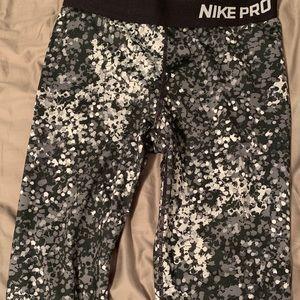Capri Nike pro leggings